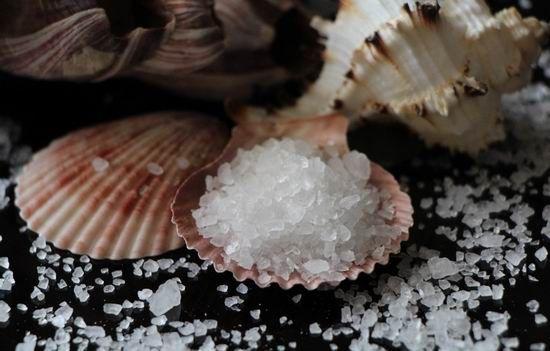 сіль в мушлі