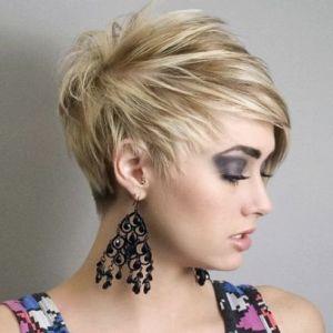 Асиметричні стрижки на короткі і середні волосся