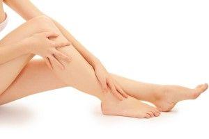 Як правильно і ефективно голити ноги?