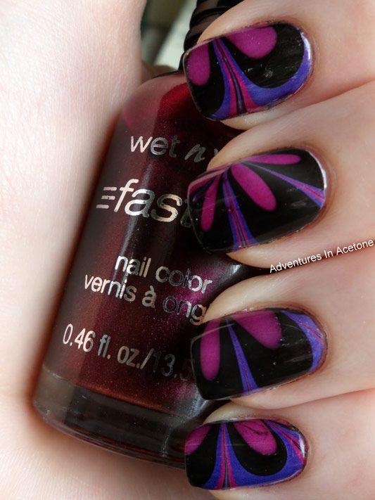 Чорно-фіолетовий водяній манікюр