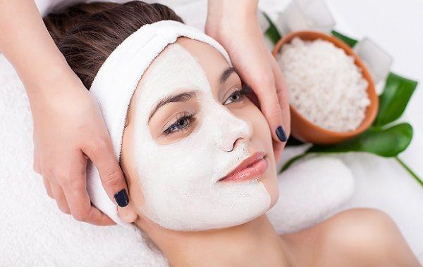 Щоб не помилитися з вибором маски для обличчя, слід віддавати перевагу тим, що продаються в аптеках