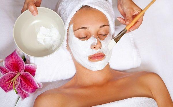 Маска для обличчя вибирається залежно від проблем зі шкірою