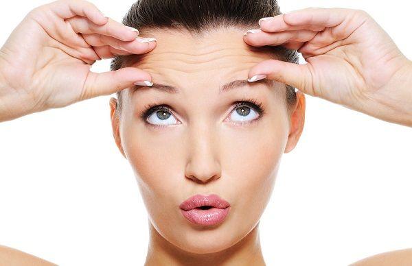 Колагенова маска дозволяє розгладити зморшки і поліпшити стан шкіри