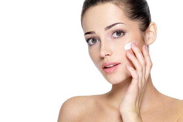 Після зняття маски необхідно обробити обличчя денним кремом