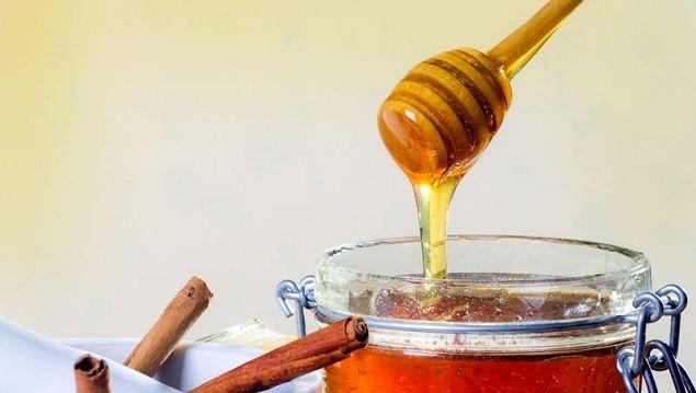 Маски з медом для зміцнення волосся