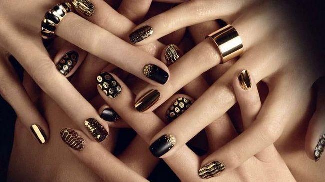 Чергова добірка моїх нових робіт нарощування нігтів з елементами дизайну. Тематика, звичайно ж, новорічна :-)