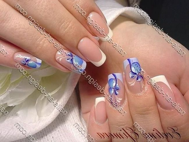 Перед кожною сучасною дівчиною ставав питання про те, яким кольором нафарбувати нігті або який зробити манікюр на новий рік 2016 фото.