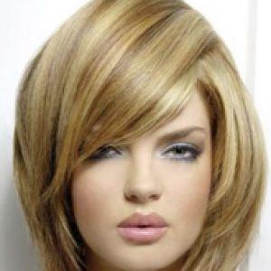 Стрижки для круглого особи на довге волосся