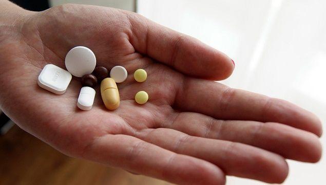 Таблетки і вітаміни від випадіння волосся