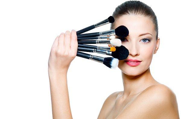 Як зробити денний макіяж