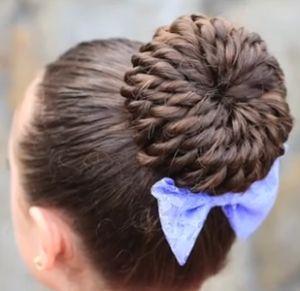 Варіанти зачісок з використанням бублика